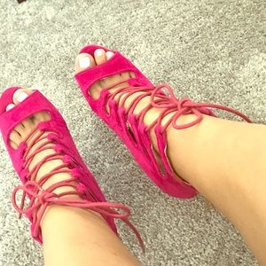 Strappy trendy hot pink pumps!